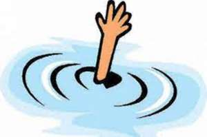 सडकको खाल्डोमा जमेको पानीमा डुबेर ४ बालिकाको मृत्यु