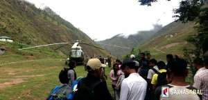 डोल्पामा सेनाको हेलिकप्टरबाट समान ढुवानी, महङ्गी दैनिक बढ्दै